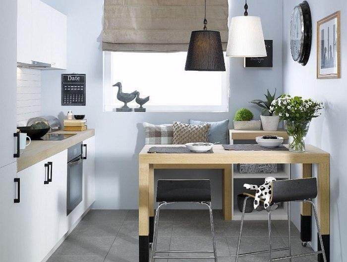 Кухня с местом для гостей.
