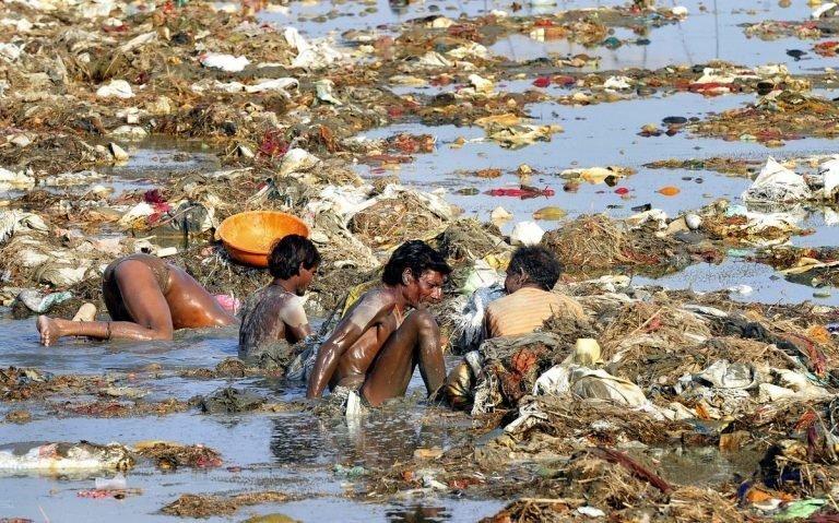 Ганг - одна из самых грязных рек мира грязь, изнанка, курорты, нищета, путешествия, трущобы