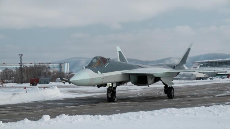 «Сухой» показал фотографии российского истребителя пятого поколения