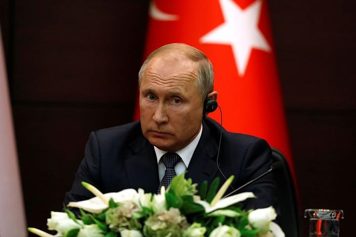 Путин — об атаке дронов на НПЗ Саудовской Аравии: Пусть купят С-300 или С-400, они надежно защитят