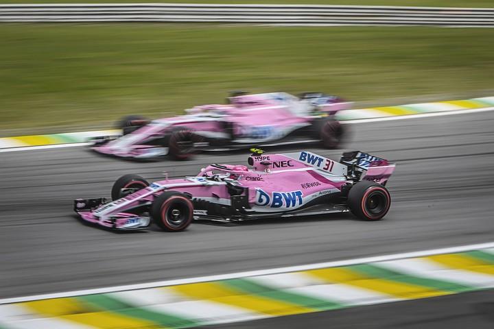 """Пилоты """"Формулы-1"""" устроили потасовку после финиша на Гран-при в Бразилии"""