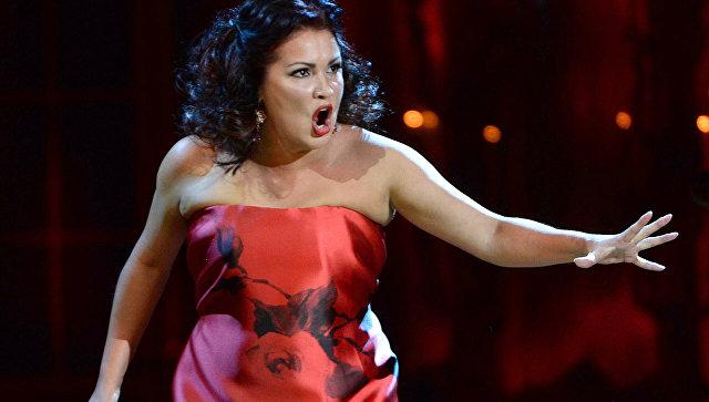 Нетребко возмутилась стоимостью билетов на ее концерт в Москве