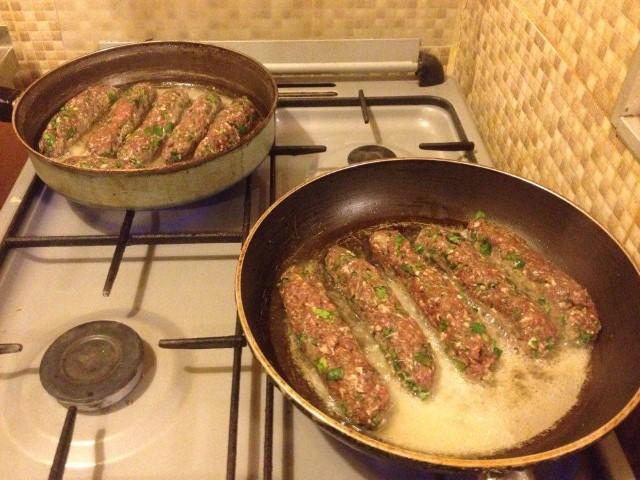 Приготовление люля-кебаб в домашних условиях на сковороде без шпажек