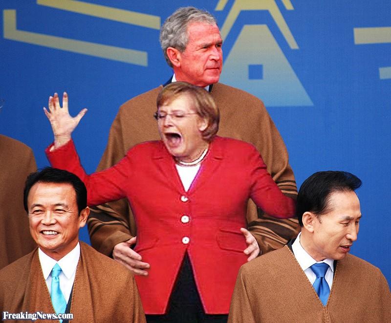Путин подал г-же Пэн Лиюань  плед, а Джордж Буш хватал за попу Ангелу Меркель