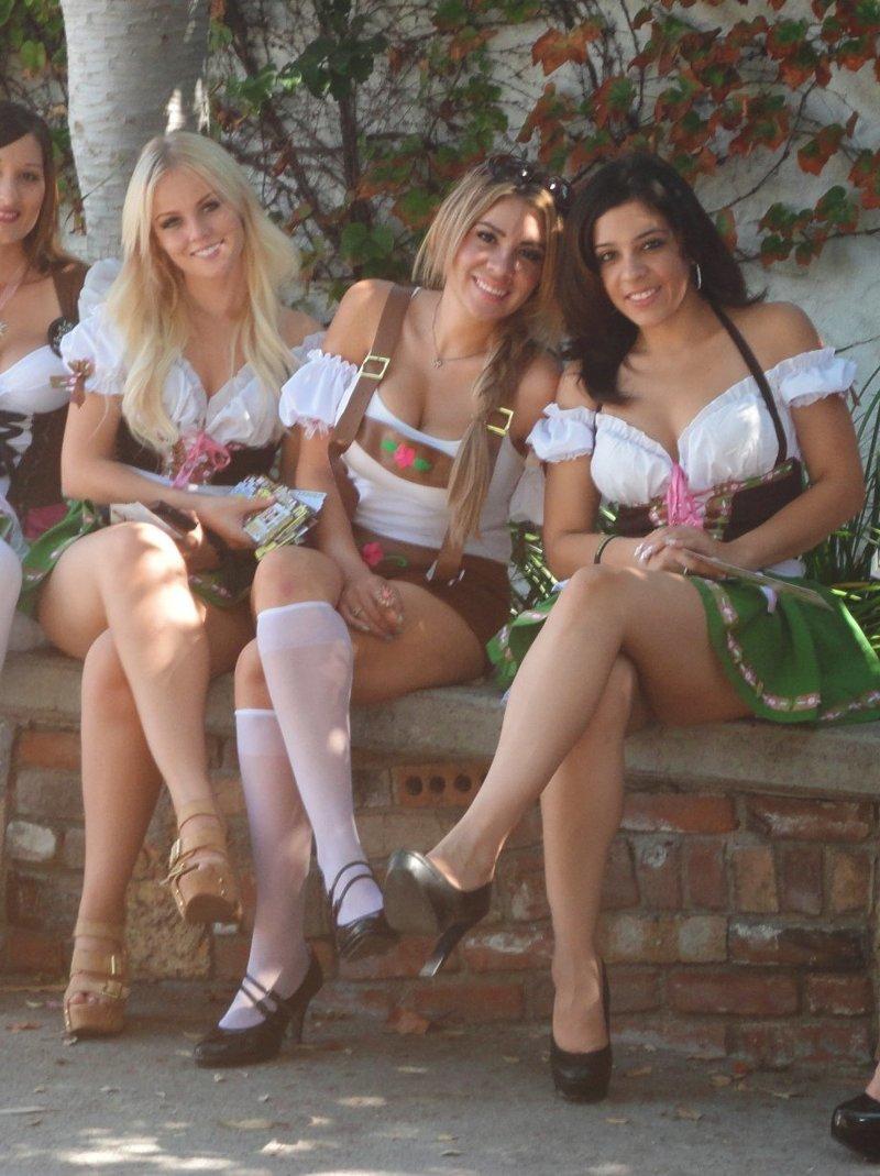Девушки Октоберфеста (29 фото)