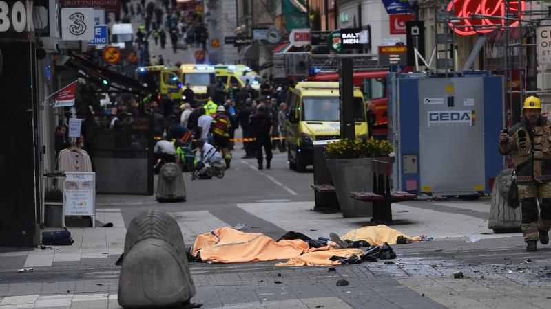 Трагедия в Стокгольме: пользователи Twitter глумятся над беспомощностью ЕС перед ИГ