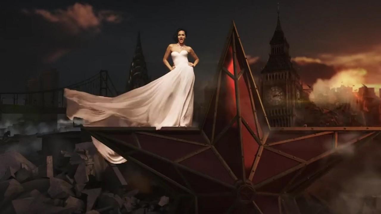Певица Слава, снявшаяся в клипе верхом на кремлёвской звезде, возмутила КПРФ