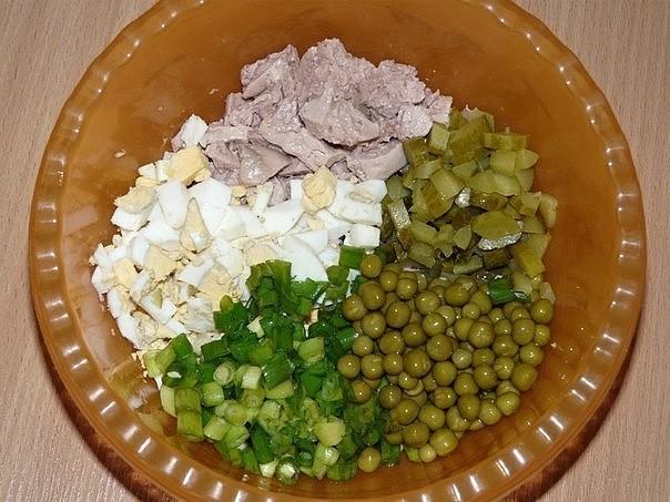 Фото рецепт салата с печенью трески