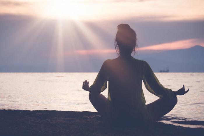 Ученые объясняют, что происходит с вашим телом при ежедневной медитации