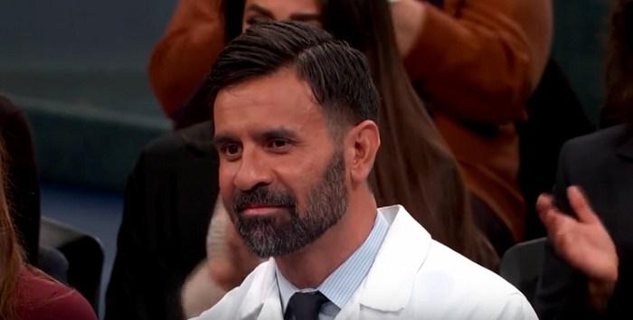 Этот мужчина — хирург, и он просит всех — не носить угги!