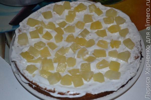 Торт с сметанным кремом и ананасами