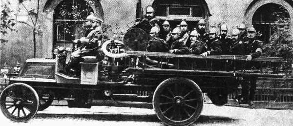 Первые автомобили в России. Кинохроника начала XX века.
