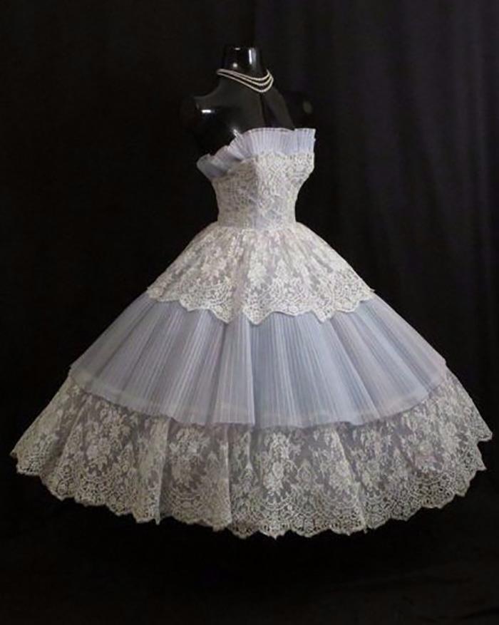 современные платья в стиле ретро