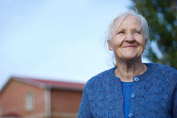 женщина зрелого возраста