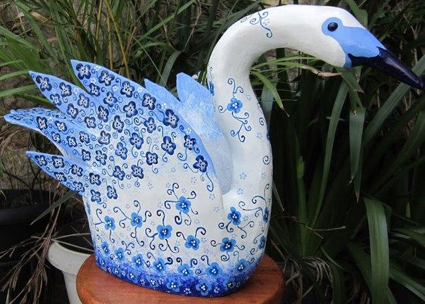Лебедь из пластиковых бутылок фото мастер класс