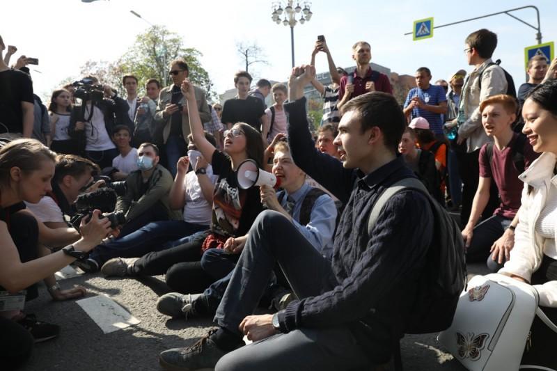 Когда-то на проспекте Сахарова Навального с большим интересом слушали плюс-минус 100 тыс. человек