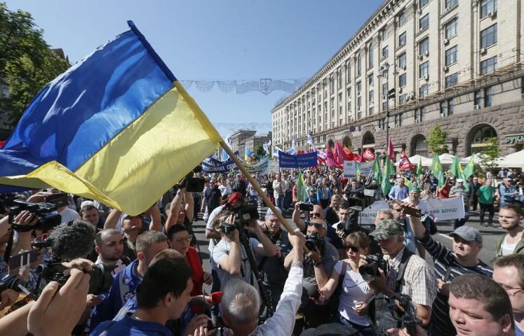Правительство Украины хочет повысить налог на фонд зарплаты