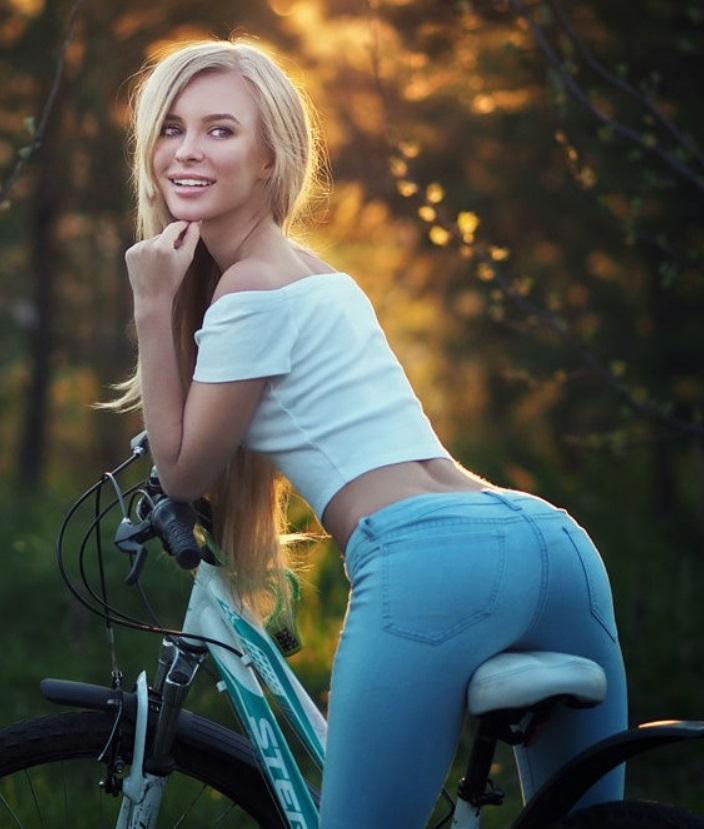 Знакомства с девушками на велосипеде