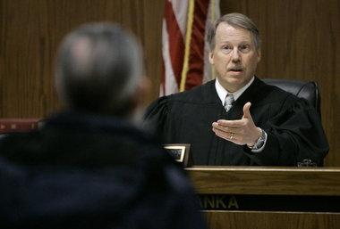 Преступление и наказание. Парочка «юридических шедевров» от судей, которые креативно подошли к восстановлению справедливости