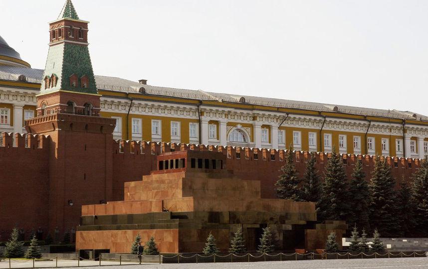 Ленина в мавзолее хотят заменить резиновой копией