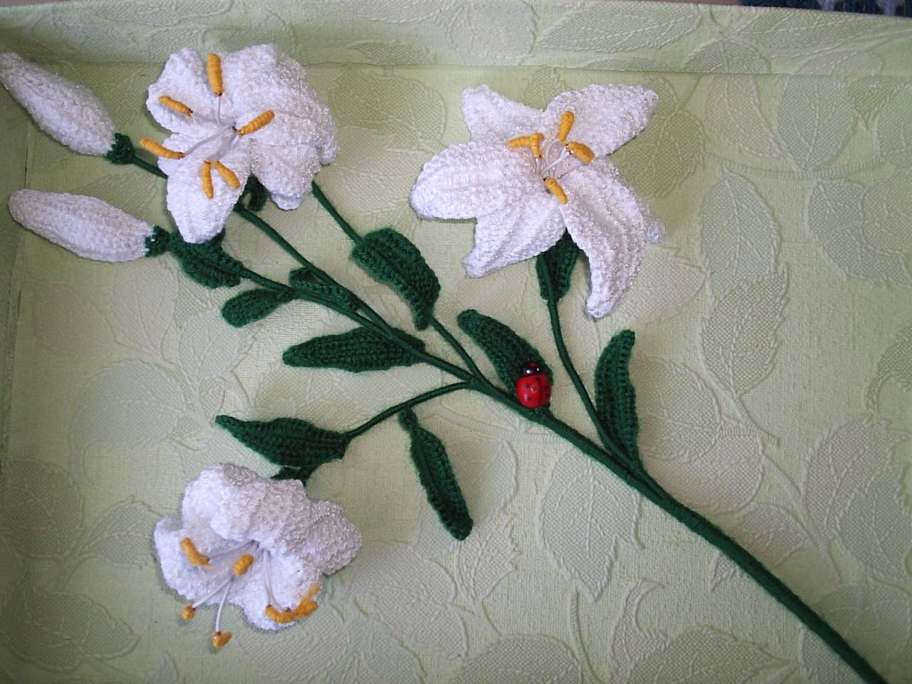 Вязание крючком из ниток лилия