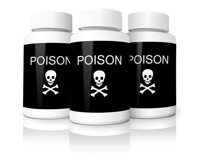 Химический ожог пищевода у детей: виноваты родители?