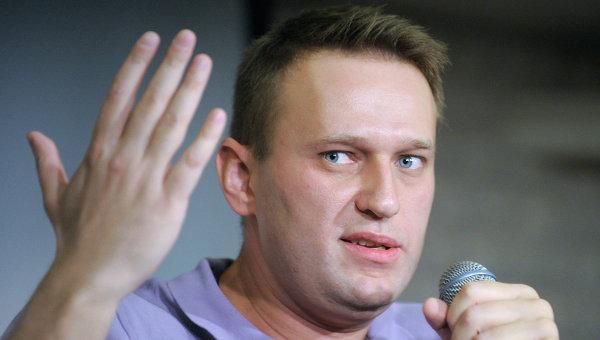 Кто и зачем расчищает дорогу Навальному?