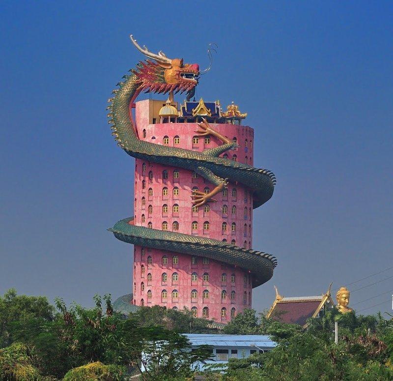 Храм Гигантского дракона в Таиланде