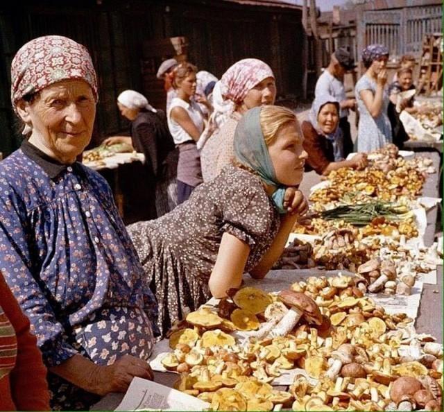 Советская Москва в цвете