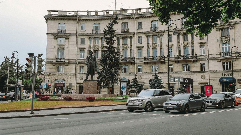 Карту самых аварийных участков дорог составили в Петербурге