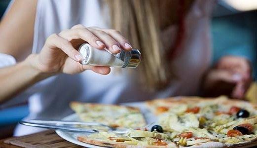 7 секретов правильного соления еды...