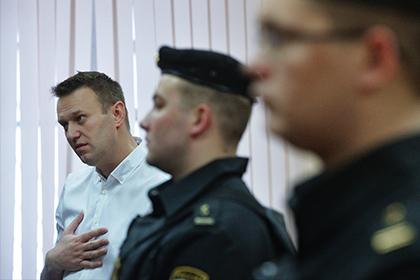 Кремль назвал материалы Навального о Медведеве творчеством осужденного персонажа