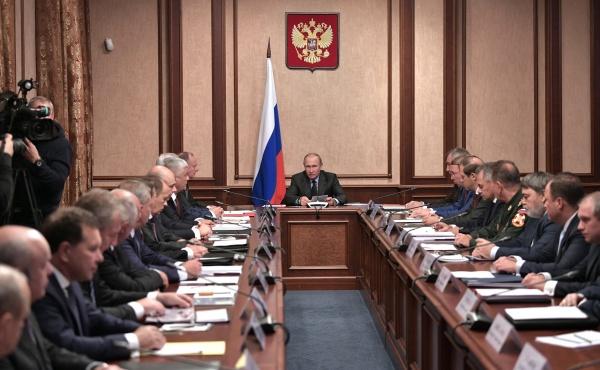 Путин призвал обеспечить независимость оборонных разработок