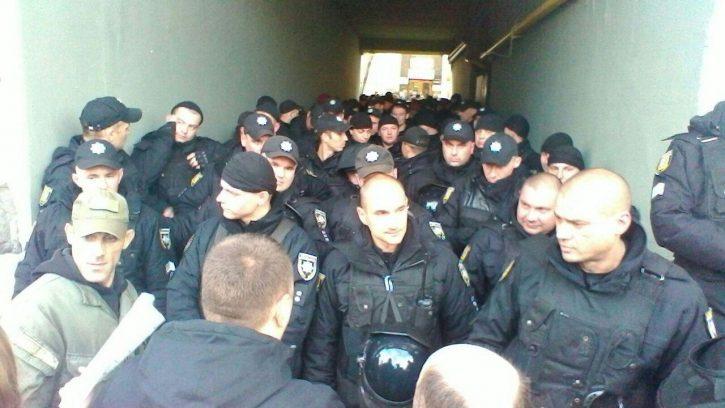 Полиция заблокировала офис Саакашвили с палатками