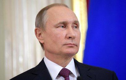 Путин поздравил работников и ветеранов гражданской авиации