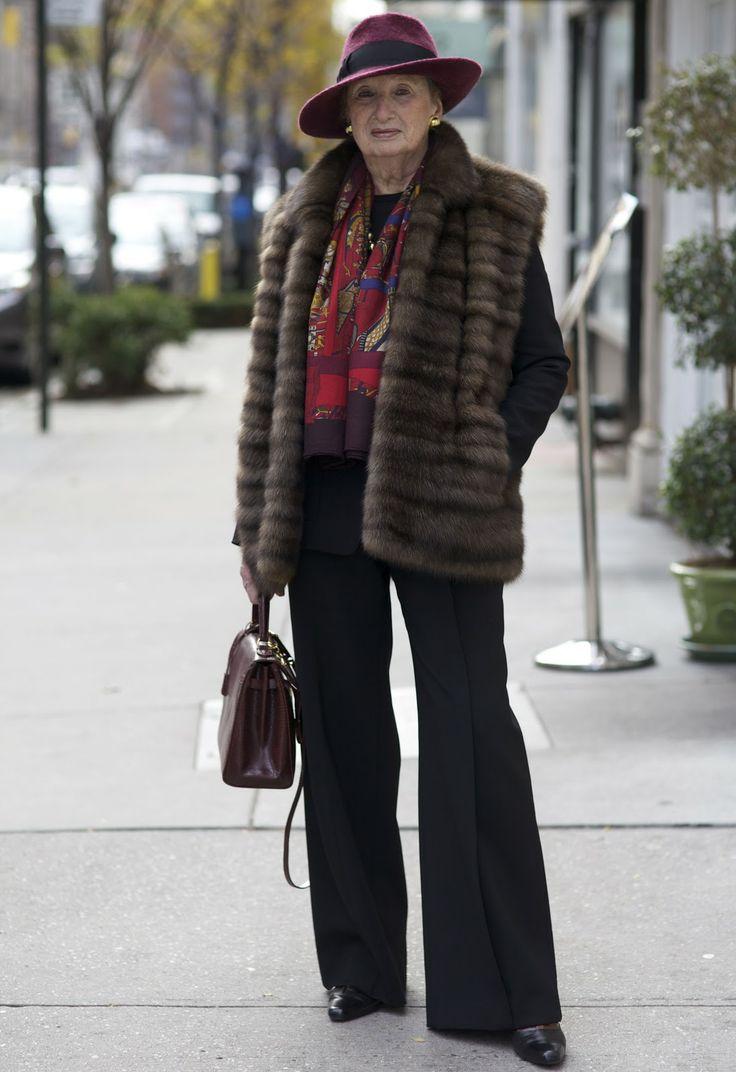 Мода для женщин после 50 лет фото осень