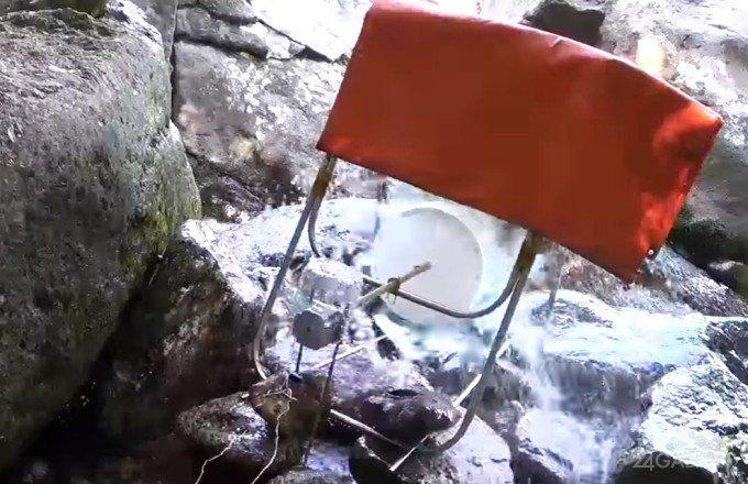 Самодельная походная зарядка заряжается от воды