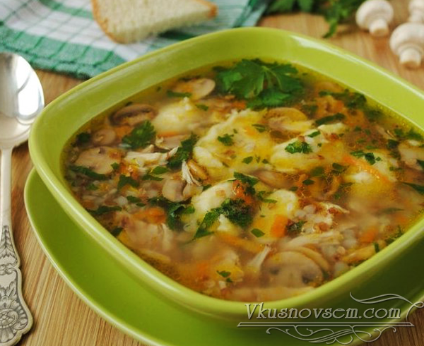 Гречневый суп с грибами и клецками