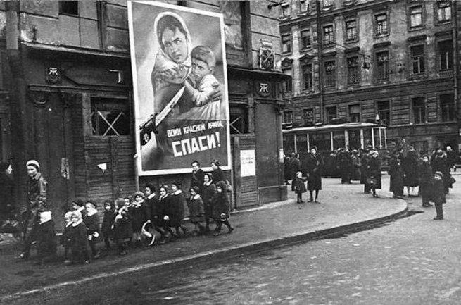 Школьницы блокадного Ленинграда о том, что пришлось пережить...