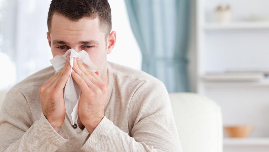 Почему люди часто чихают и что с этим делать