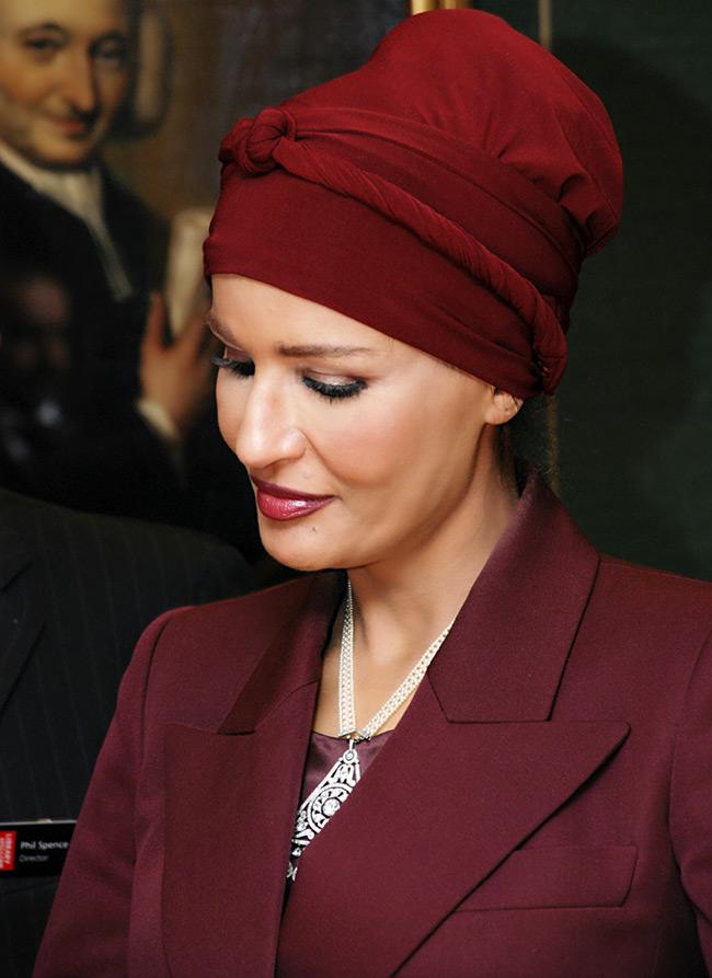 наряды шейха моза фото