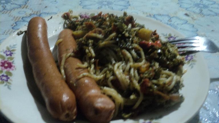 Ленивый ужин или макароны в сковороде.