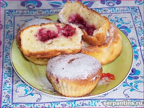 Кексы из творожного теста с малиной