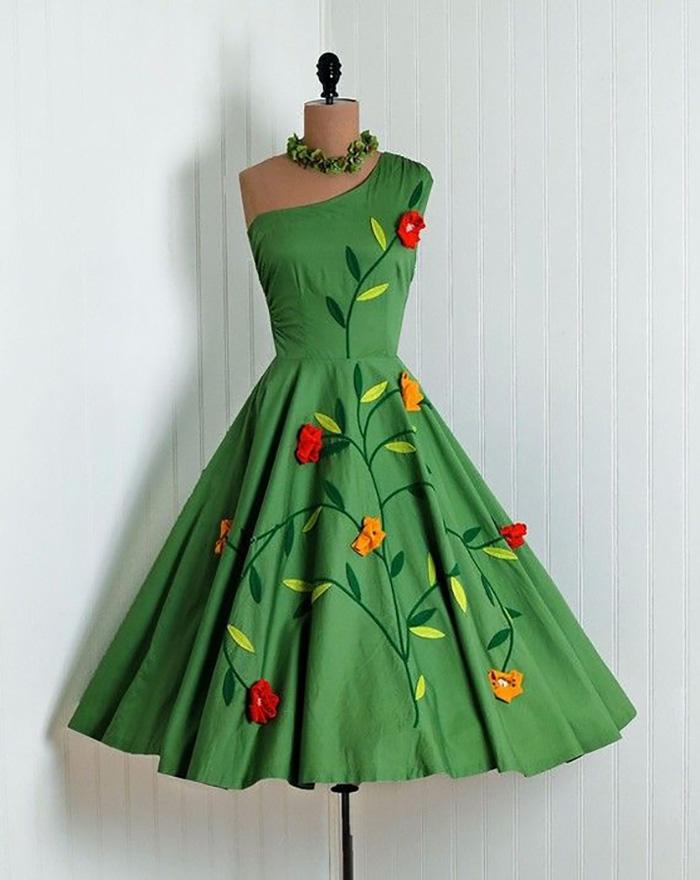 платья в горошек в стиле ретро