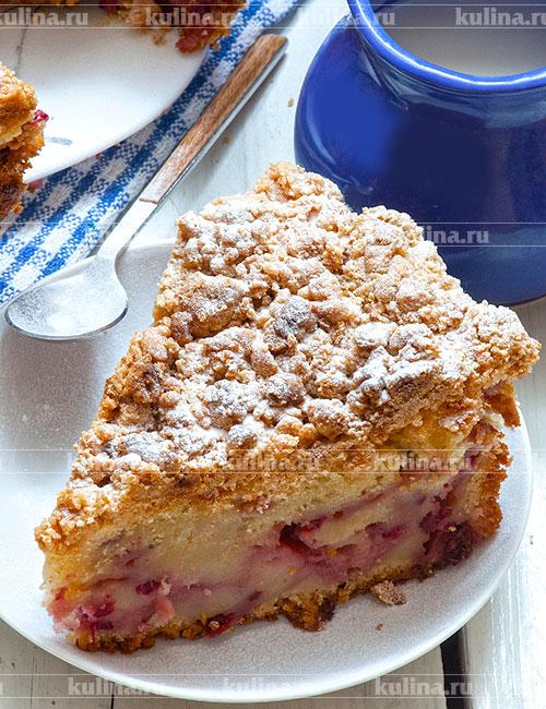 Готовый пирог остудите, достаньте из формы, посыпьте при желании сахарной пудрой и подайте к столу.