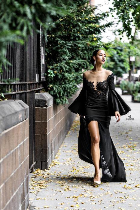 23 фотографии самых смелых невест, которые выбрали тёмные свадебные платья