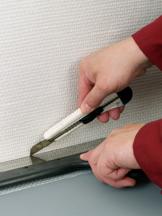 Как стирать вспомогательные держатели рулона секлохолста при оклеивании для