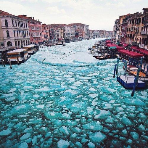 Венеция, скованная льдом, в работах Роберта Янса (5 фото)