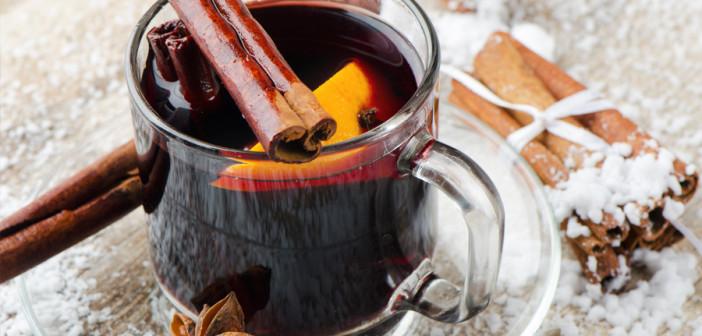 Медиками развеяны мифы о безопасных дозах известного алкогольного напитка Речь идёт о пользующемся популярностью в холодное время года - глинтвейне. По словам торгующих глинтвейном, данный напиток содержит большое количество витаминов, а так же способствует расслаблению и согреванию организма. В Минздраве рассказали: