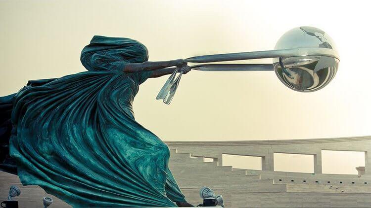 Необычные современные скульптуры мира